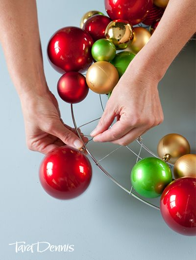 DIY Bauble wreath - Tara Dennis