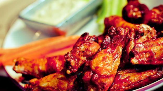 Alitas de pollo en salsa Barbecue, receta ideal para este Super Bowl