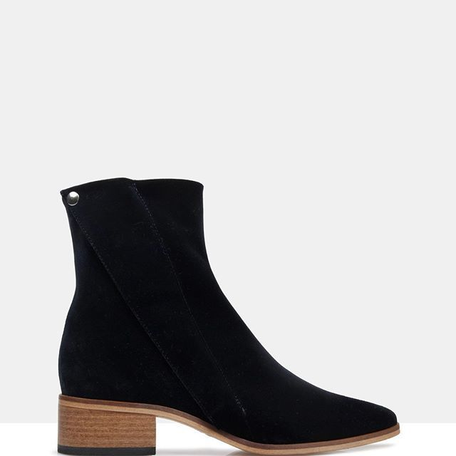 How gorgeous are the Edun boots from Beau Coops? 😍😍 Shop now online #loveshoes  .  .  .  .  .  .  .  .  .  .  .  .    #boots #classicstyling #wardrobeessential #shoes #shoeoftheday #footwear #fashion #shoe #shoegame #shoestagram #shoelover #inspo #design #heels #trend #trends #instagood #fashionblogger #shoeaddict #boot