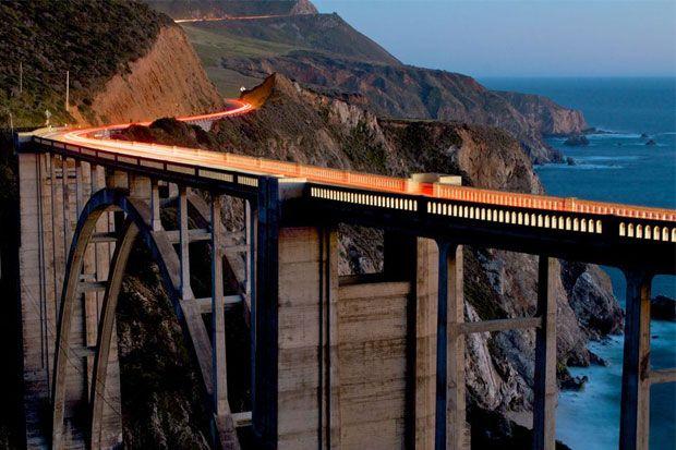 Bixbi Bridge este unul dintre cele mai importante simboluri de pe coasta Big Sur inca din 1923. Intr-un peisaj spectaculos, podul se integreaza perfect in maretia si in rezistenta sa.