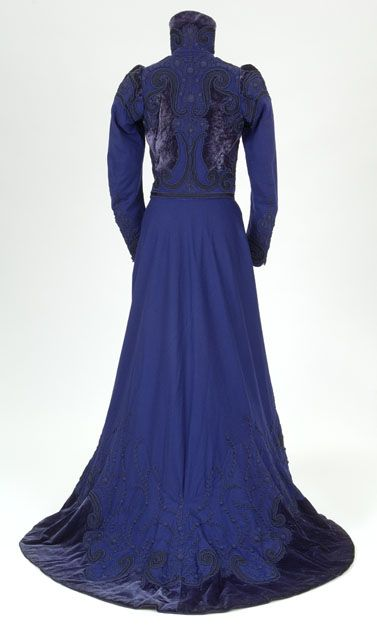Going away dress, 1899 From Glasgow Museums