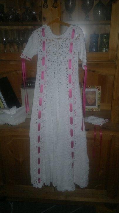 Dåpskjole heklet av Gøril Langen