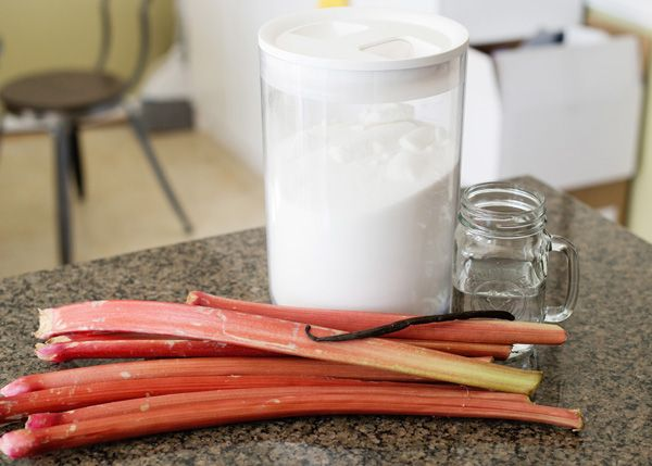 Baked Bree - eat well, laugh often » Rhubarb Fizz Cocktail