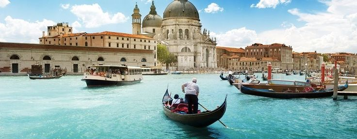 Planning a trip to Italy, but unsure what Venice attractions you'll be able to see on a budget? Many Venice attractions are free!