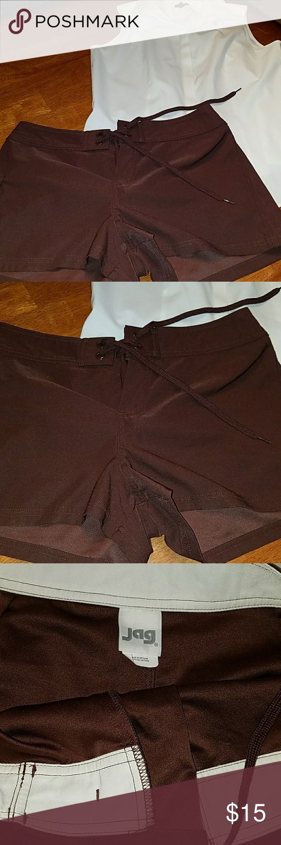 Women's chocolate brown Jag shorts size small LNC Very nice like new condition women's brown Jag shorts with cargo style pocket on the right side drawstring closure these are in Primo condition and they are from a clean non-smoking home Shorts
