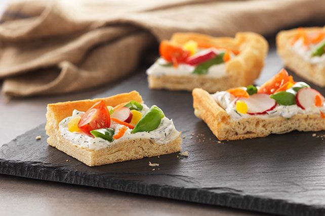 This colourful appetizer, full of crunchy fresh vegetables, has spring written all over it.