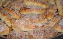 Essa receita lembra aqueles quitutes de vó, tem cheirinho de infância e sabor de quero mais. Esse pãozinho é delicioso e super prático. Enroladinho Romeu e Julieta.