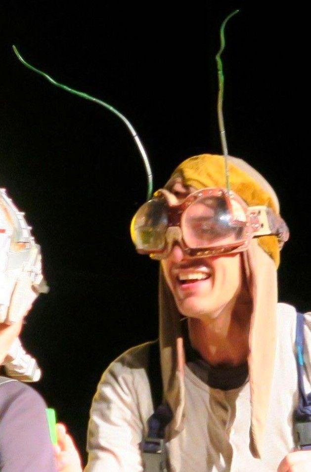 Occhiali con antenne e cuffia d'aviatore per grillo steampunk. Pinocchio ISV