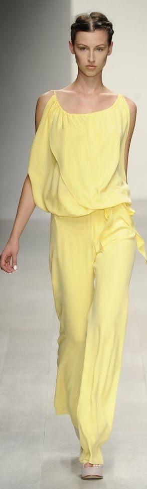 Maria Grachvogel RTW Spring 2013... The color is so refreshing!