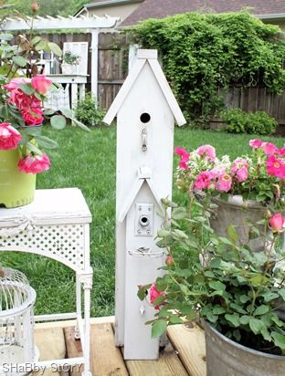 my husband made the birdhouse