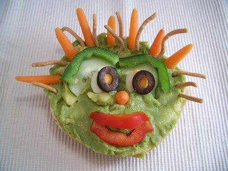 dress up your bagels for fun eating: Guacamole Dips, Kids Yummy, Kids Lunches, 15 Superfood, Guacamole Bagels, Lunches Ideas, Food Art, Kids Recipes, Grandkids Food