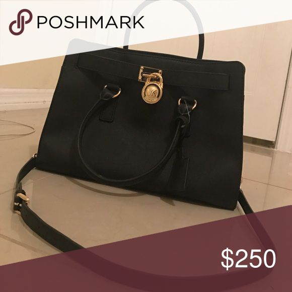 Michael Korse purse I bought this bag and used it about 5 times and don't really use it anymore. It's brand new Michael Kors Bags Shoulder Bags