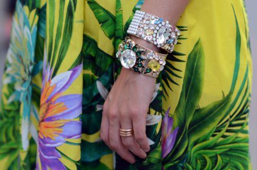 : Arm Sparkle, Arm Candy, Bangles Chiara, Sparkly Bangles, Bracelets, Fashion Styles, Outfit, Chiara Ferragni