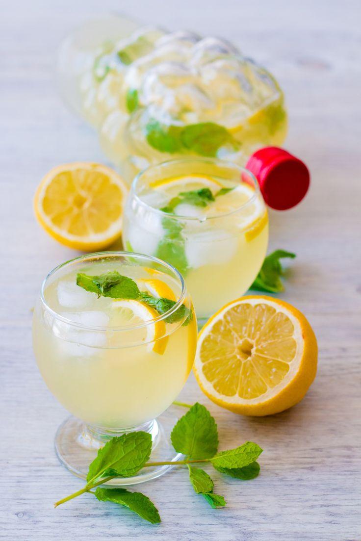 Citronnade maison ou limonade au citron, en tout cas le citron est roi cet été !