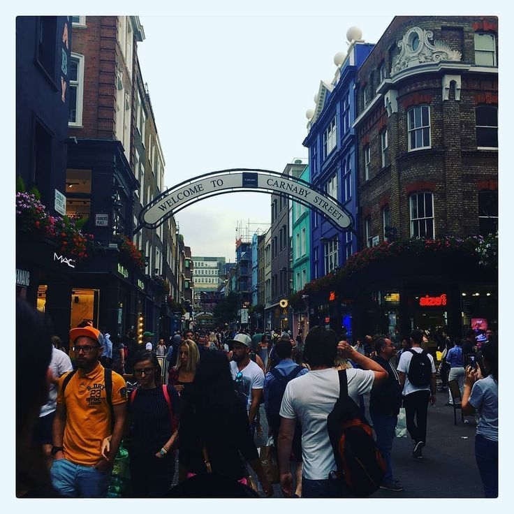 Im willing to make a hefty bet that you cant guess where this was taken.  .  .  .  .  .  .  .  .  . #uk #thisislondon #londonlife #igerslondon #england #visitlondon #londoncity #london_only #timeoutlondon #londonpop #shutup_london #toplondonphoto #prettycitylondon #ilovelondon #london4all #londontown #lovelondon #prettylittlelondon #londres #londoner #unitedkingdom #londoncalling #londonforyou #lovegreatbritain #thelondonlifeinc #londonlive #qatar #london_enthusiast