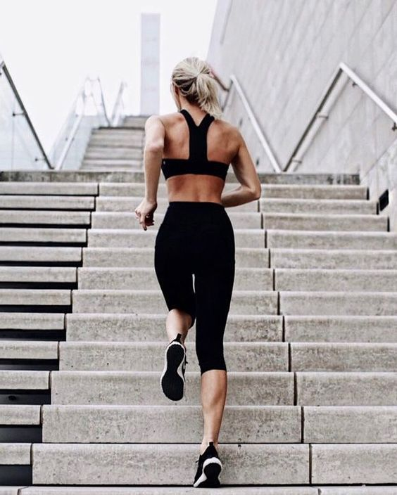 Get in shape with these awesome fit college hacks! #health #fitness #college #wo…