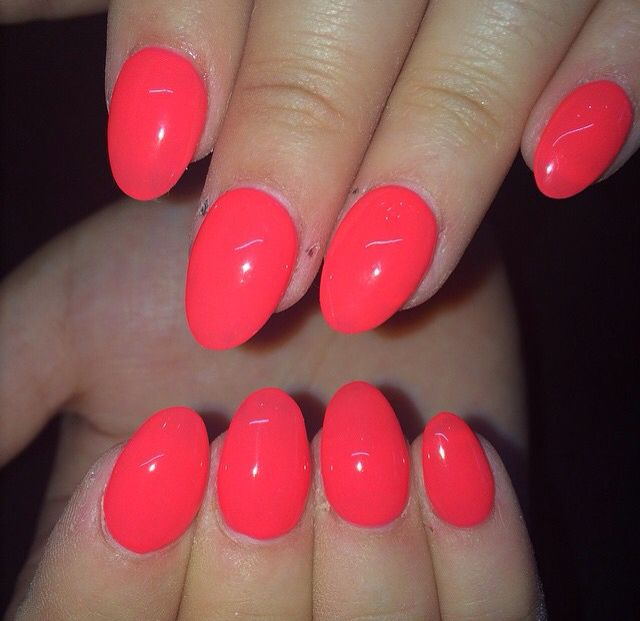 Bright Hot Coral Pink Round Acrylic Nails In 2020 Coral Pink Nails Nails Acrylic Nails