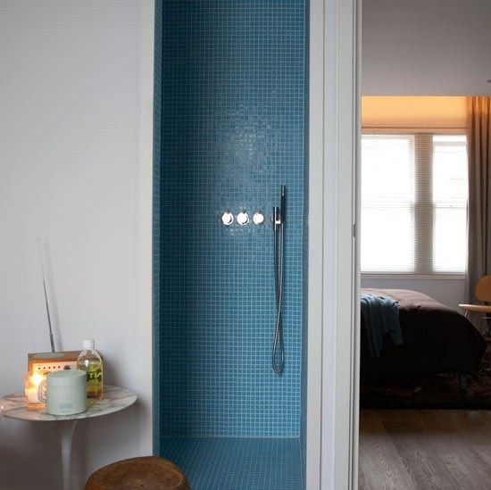 Basement bath... Color ideas for Small Shower
