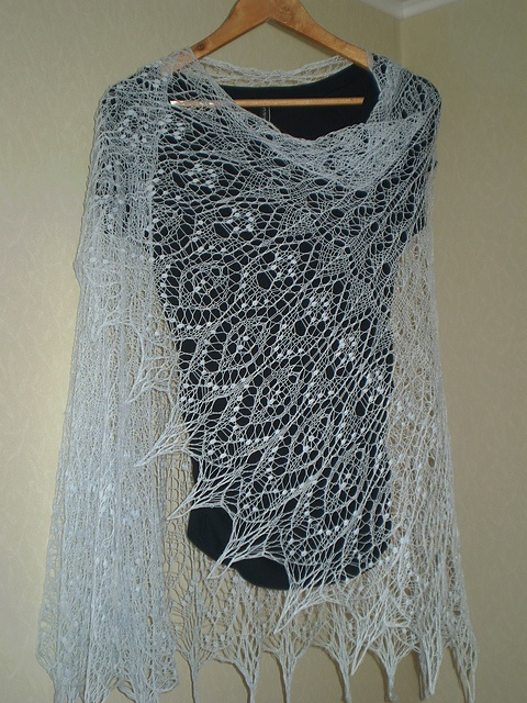 Ravelry: Project Gallery for Monica's Shawl pattern by Meeli Vent