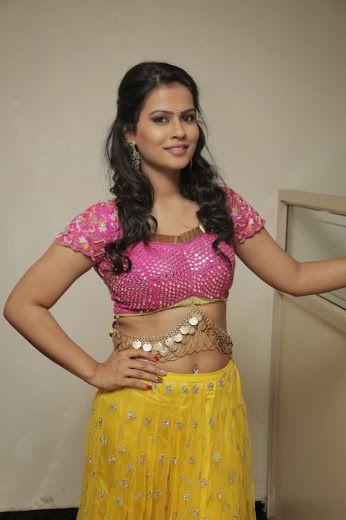 2685da5e6b67aa Sharmila Mandre Hot Photo Gallery - Sexy Photolite Indian Aunty