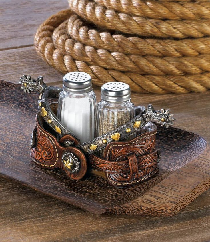 Salt Pepper Shaker Set-Cowboy Spurs