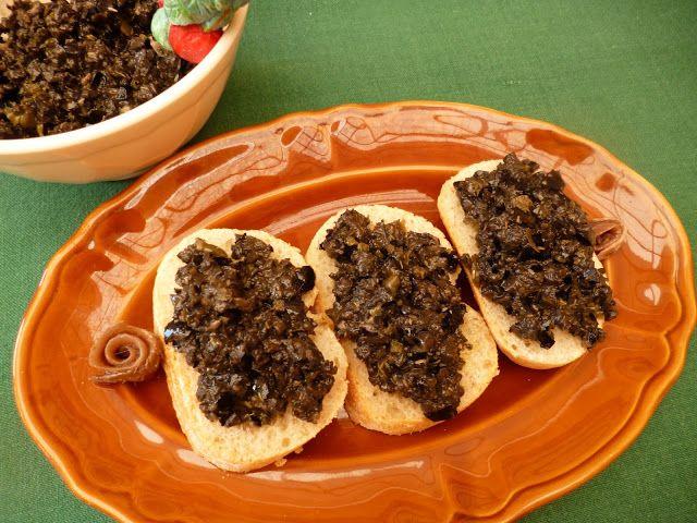 Pasta de aceitunas (Tapenade) y ensalada.