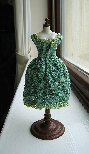knit a doll dress?