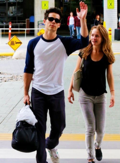 dylan o brien and britt robertson start dating Actors britt robertson and dylan o'brien have been dating for years is marriage in the future get the details here.