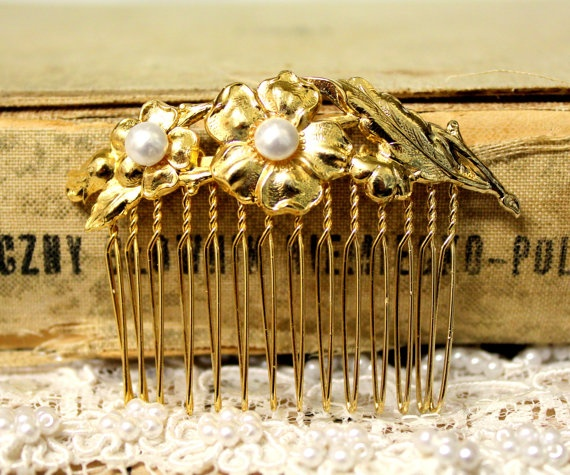 Feathers and pearls - Bridal hair comb Victorian shabby chic vintage style with Swarovski elegant pearls .