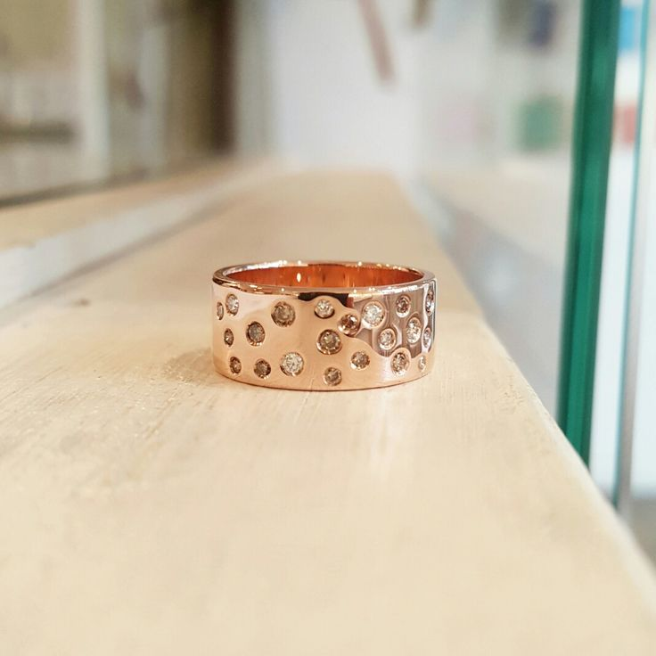 Ellinor Mazza's rose gold Starry Sky ring