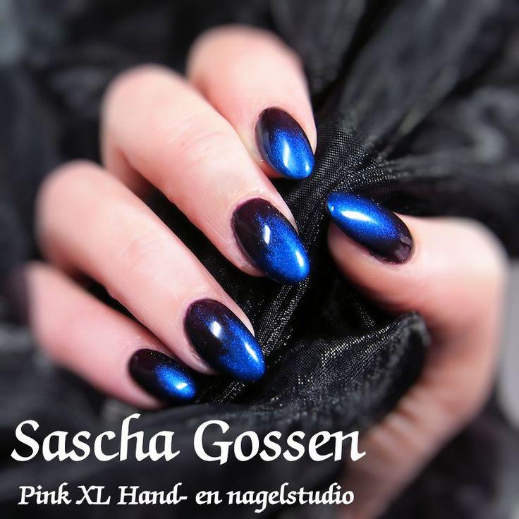 The new CND Shellac color Dark Dahlia met de additive Deep Blue. #CND #Shellac #CNDShellac #additives #DarkDahlia #newcolors