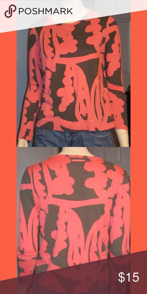 Simply Vera Long Sleeve T-Shirt Simply Vera - Vera Wang Long Sleeve T-Shirt Simply Vera Vera Wang Tops Tees - Long Sleeve