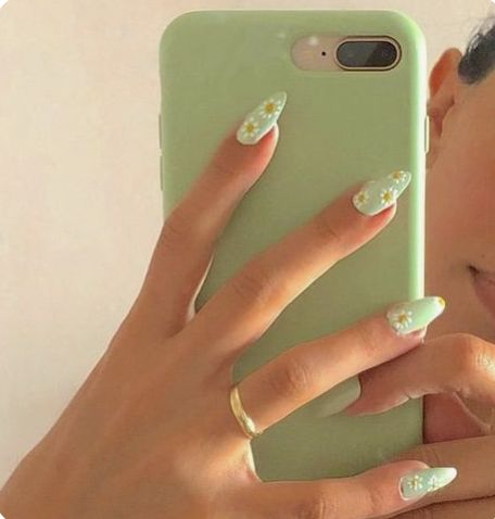 green daisy nail art in 2020  minimalist nails summer