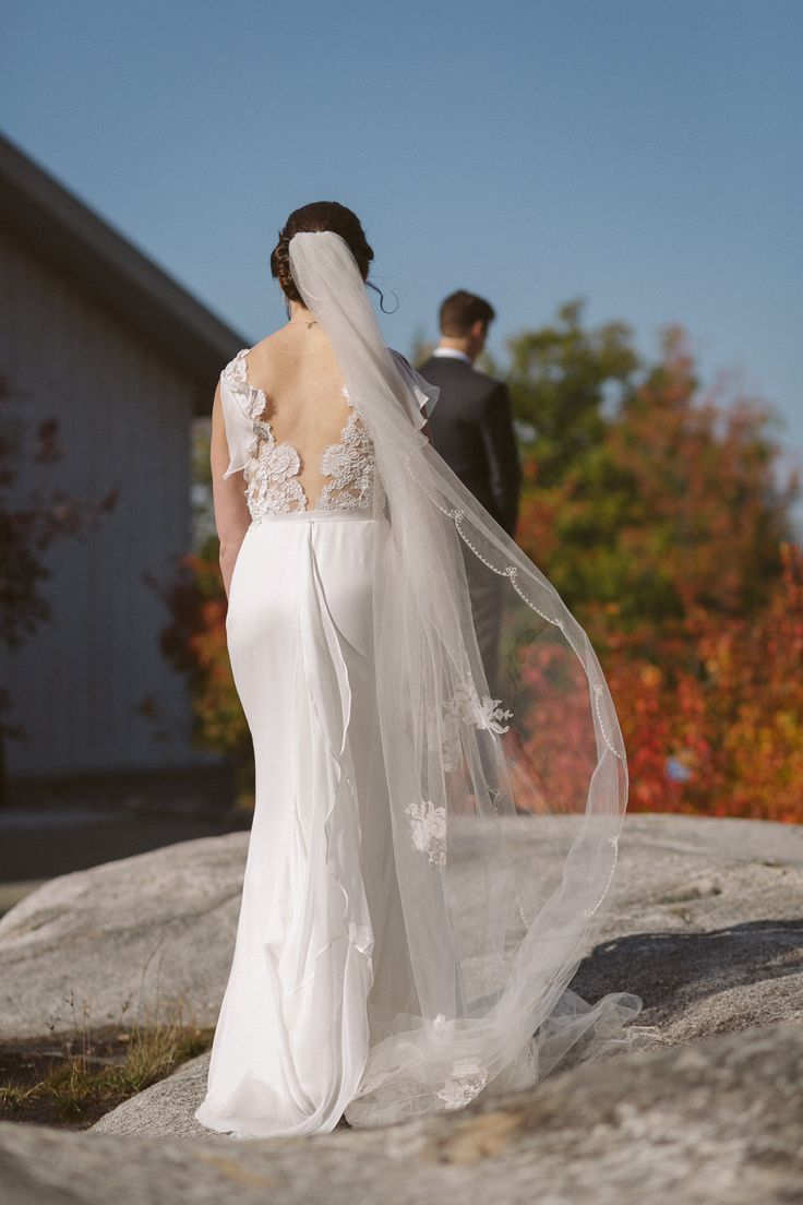 First look at Le Belvedere in Wakefield Quebec; Sash and Bustle wedding gown; PHOTOGRAPHY Joel + Justyna Bedford;