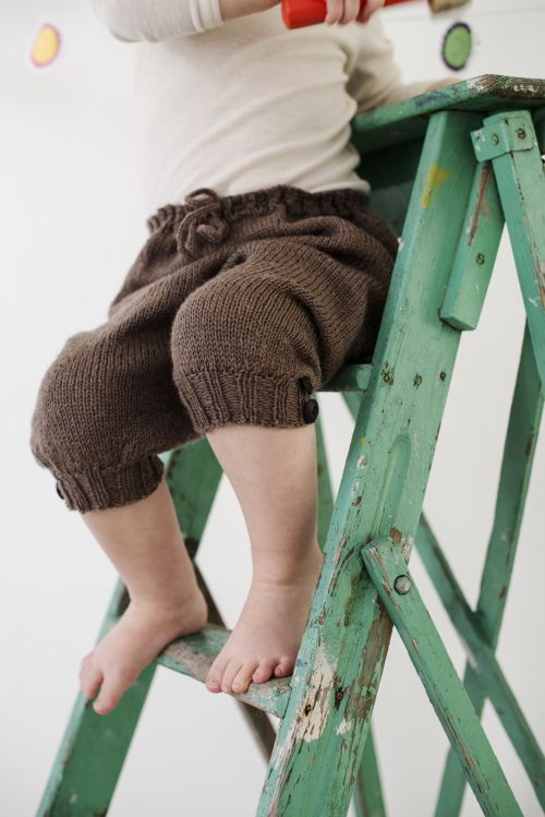 Shorts/ kortbukse fra guttestrikkeboka. Kunne blitt fin med seler.