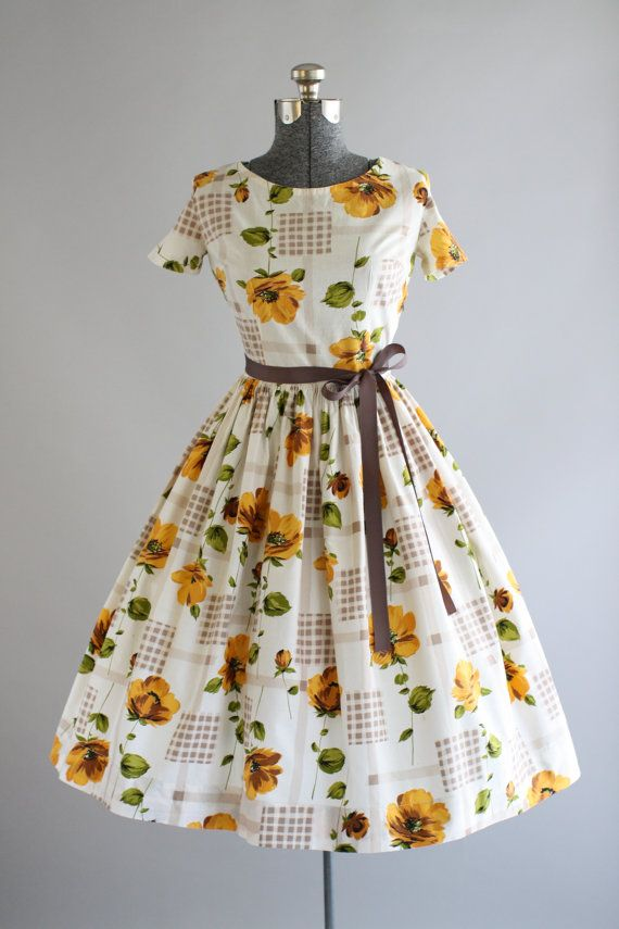 Vintage 1950s Dress / 50s Cotton Dress / Orange and Green Floral Print Dress w/ Full Skirt M