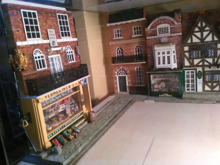 Il progetto su cui lavoro ora, una strada edoardiana, Londra, 1930, scala 1/32