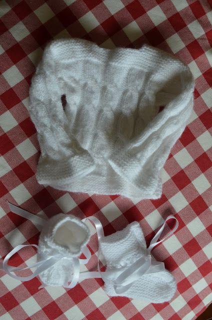 Entre puntos y puntadas: Jersey y patucos de primera puesta