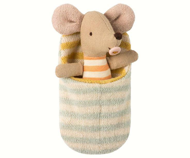 Handla Maileg hos Barnklassiker.se, brett sortiment av Maileg kaniner och tillbehör. Bra pris och snabba leveranstider.