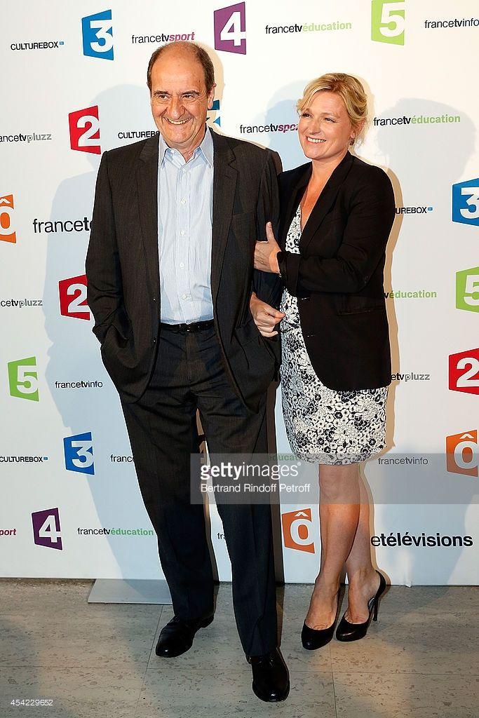Photo d'actualité : Pierre Lescure and Anne-Elisabeth Lemoine attend...