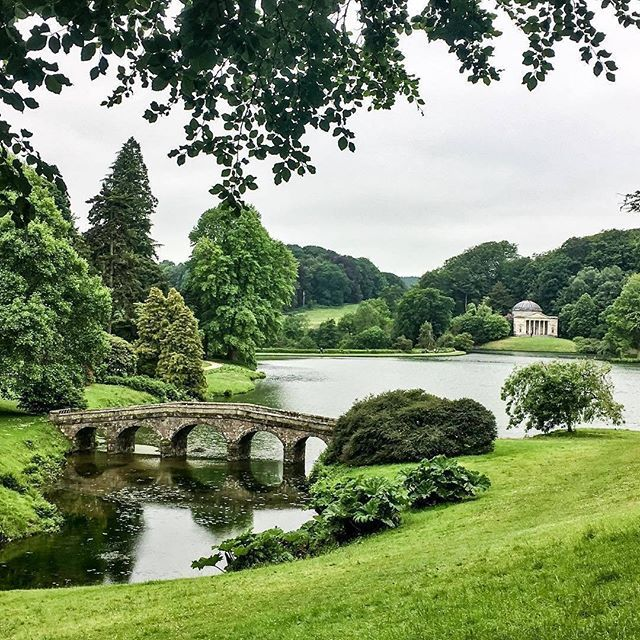 How stunning is this shot of Stourhead Gardens in Wiltshire? Described as 'a living work of art', this landscape garden has mystical grottoes, rare and exotic trees, and a lake reflecting classical temples, making it the perfect setting for a romantic picnic. The gardens were also used as a film location for Pride and Prejudice starring Keira Knightly. Thanks for sharing your picture @bevlovesvegas! #VisitEngland #picnicspots #Wiltshire
