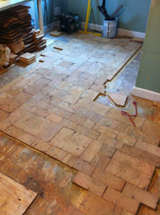 Crosscut Wood Flooring : This is an end grain floor laid as tiling in a variable
