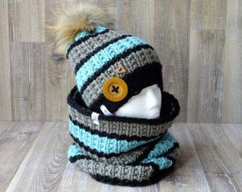 Ensemble Esquimau tuque et snood tricoté à la main pompon