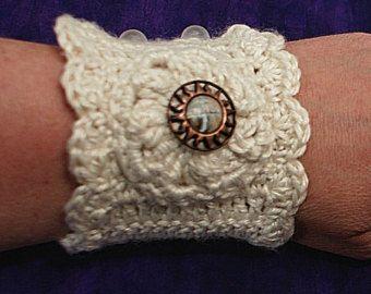 Crochet Kitten: Charmed Wrist Warmers - blogspot.com