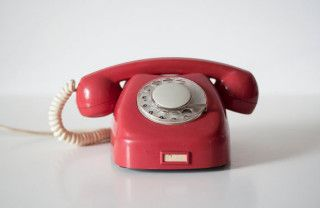 vintage-red-rotary-phone