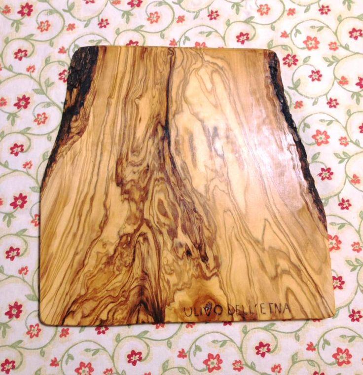 Tagliere in legno d'ulivo dell'Etna 25x25