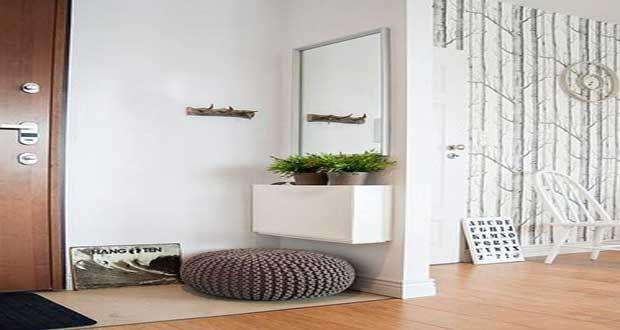 White entryway. Deco-Cool. http://www.kenisahome.com