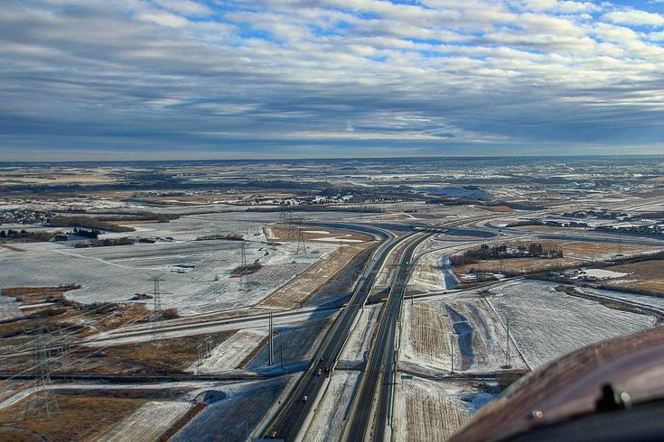 Flying into 2018 like.. First flight of the year. I've always wanted a cool picture flying over the Henday, and where would be better than the brand new section? Traffic on it or not though, I'm way happier being in the air.