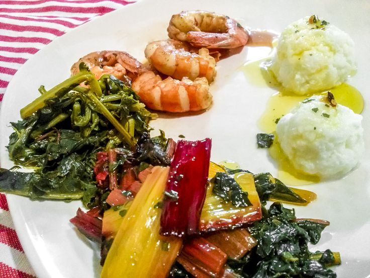 Gamberoni all'arancia con Verdure saltate e spuma di Bufala  #gamberoni #gamberi #coste #broccolofiolaro #mozzarelladibufala #natale #ricette #cucina #cenone #vigilia  http://www.kitchengirl.it/bocconcini/natale-2015-gamberoni-allarancia-con-verdure-saltate-e-spuma-di-bufala/