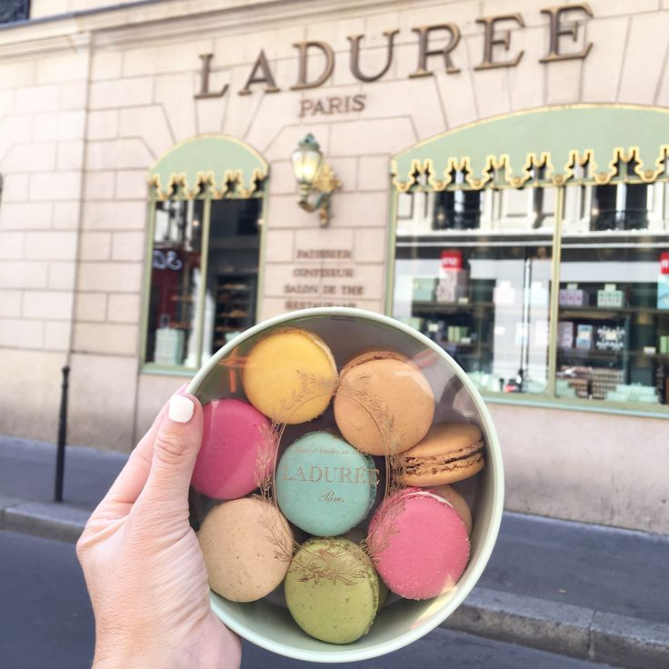 Paris travel tips. visit Laduree in Paris, girls guide to Paris with Lunchpails and Lipstick